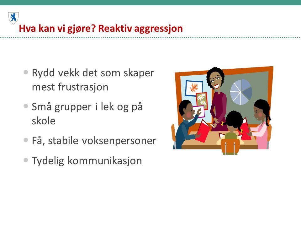 Straff for mobbing på nettet Ei 17 år gammal jente på Østlandet kalte en annen jente hore i en chattekanal på nettet.