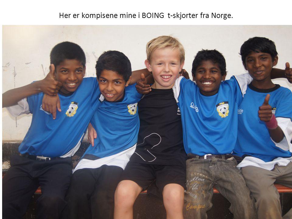 Her er kompisene mine i BOING t-skjorter fra Norge.