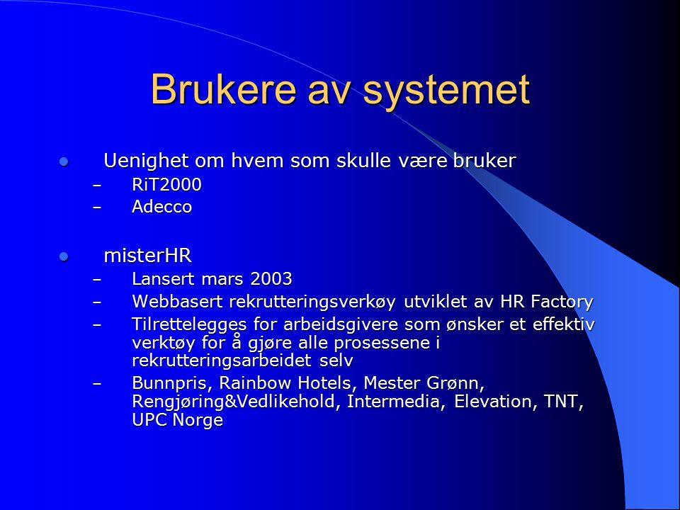 Hvordan vi løste problemet Arbeidsfordeling Arbeidsfordeling Forstudie Forstudie Kravspesifikasjon med Use Case-diagrammer Kravspesifikasjon med Use Case-diagrammer Databasedesign og prototype Databasedesign og prototype Servlets Servlets Lage Java-klasser som kommuniserer med databasen via JDBC Lage Java-klasser som kommuniserer med databasen via JDBC Sy sammen Java-klassene med servlets slik at disse henter data fra databasen Sy sammen Java-klassene med servlets slik at disse henter data fra databasen Login-funksjon / sikkerhet: HTML-login Login-funksjon / sikkerhet: HTML-login