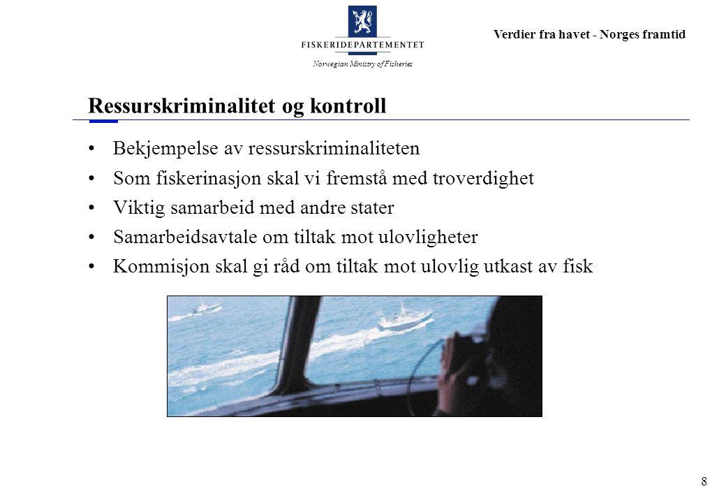 Norwegian Ministry of Fisheries Verdier fra havet - Norges framtid 9 Fiskerioppsyn og rettledningstjeneste Oslofjorden - område med stor tetthet av hytter Høy fritidsfiskeaktivitet - ressurser til oppsynsaktivitet Hugin ble tatt ut av tjeneste i år 2000 - ikke erstattet Munin disponeres også til andre regioner Rettledningstjenesten ikke svekket, men endret Større krav til den enkelte næringsaktør