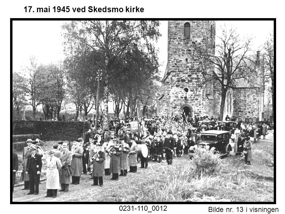 Bilde nr. 13 i visningen Side 13 17. mai 1945 ved Skedsmo kirke