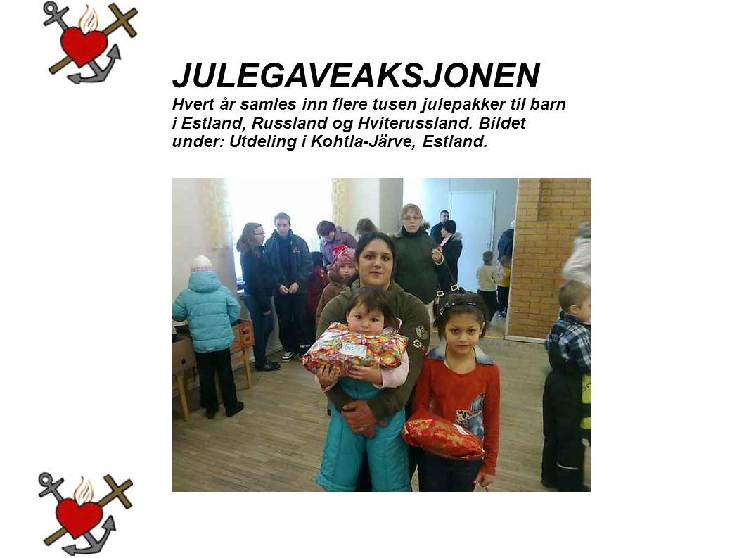 JULEGAVEAKSJONEN Hvert år samles inn flere tusen julepakker til barn i Estland, Russland og Hviterussland. Bildet under: Utdeling i Kohtla-Järve, Estl