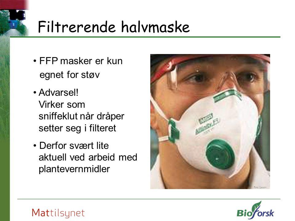 Filtrerende halvmaske FFP masker er kun egnet for støv Advarsel! Virker som sniffeklut når dråper setter seg i filteret Derfor svært lite aktuell ved