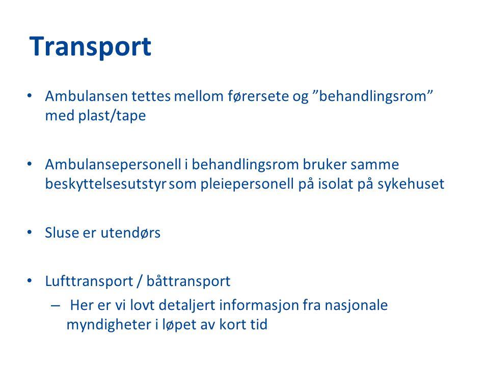 """Transport Ambulansen tettes mellom førersete og """"behandlingsrom"""" med plast/tape Ambulansepersonell i behandlingsrom bruker samme beskyttelsesutstyr so"""