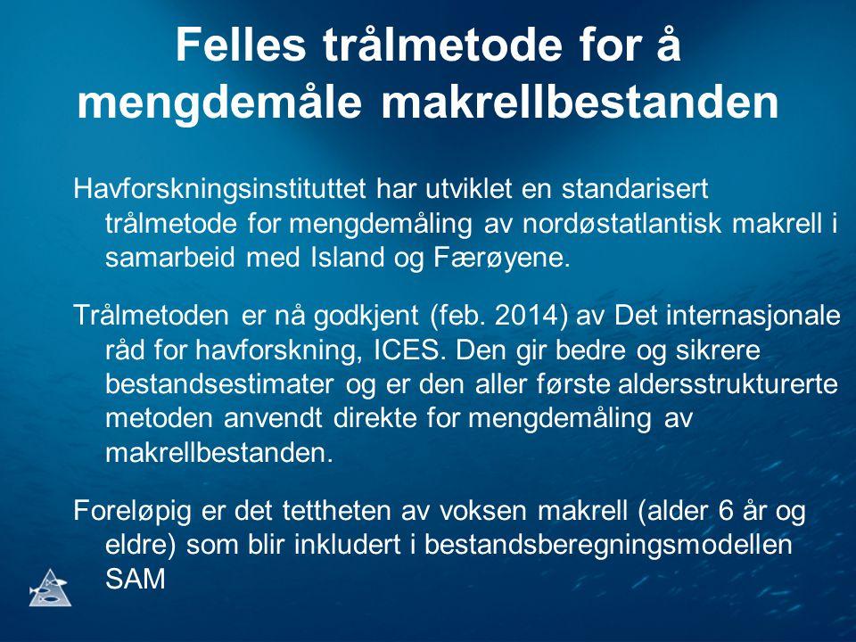 Material og metode Fartøyer: M/V Brennholm M/V Vendla , M/V Finnur Fridi og R/V Arni Fridriksson Toktperiode: 2 juli – 12 august 2014 Område kartlagt: 2.45 millioner km 2 58°N - 77°N og 26°E - 42°W Standarisert 30 min pelagisk tråling med Multpelt 832 Flerfrekvensekkolodd og flerstråle sonarer Planktonprøvetaking WP2 hov 0-200 m dyp CTD målinger 0-500 m dyp Undervannskameraopptak i trålen Strømmålinger, lysmålinger og værobservasjoner Hvalregistreringer