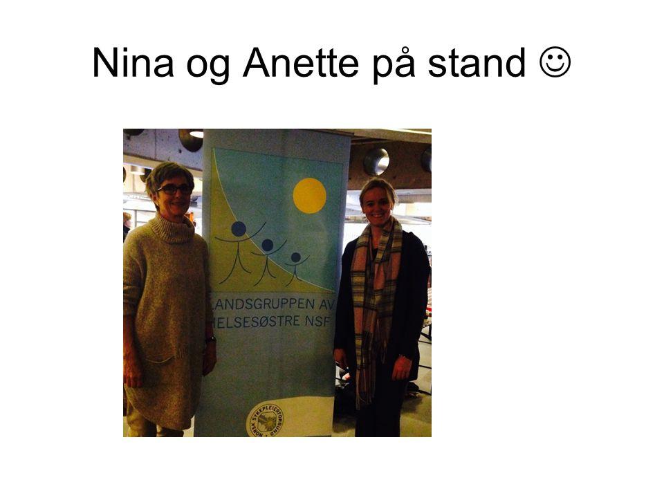 Nina og Anette på stand