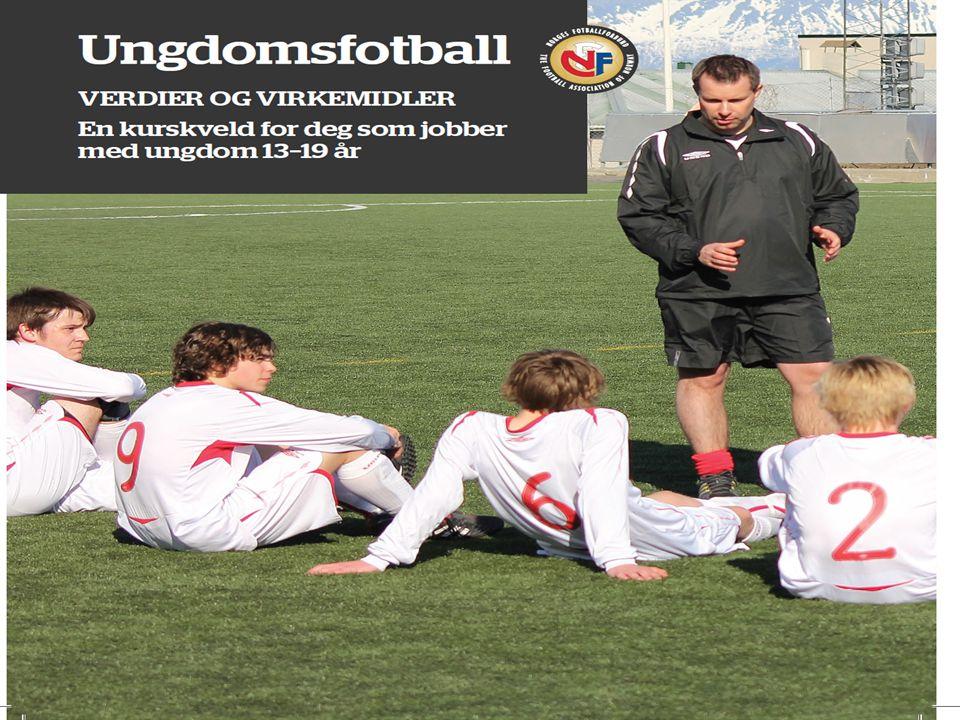 Om kurset Norges Fotballforbund | www.fotball.no  Ungdomsfotballkvelden er et kveldskurs på 4 undervisningstimer – med både teori og praksis  Klubben kan velge å dele kurset i en teorikveld og en praksiskveld  Ungdomsfotballkvelden er ikke et « A4 kurs, men må tilpasses klubbens egenart.