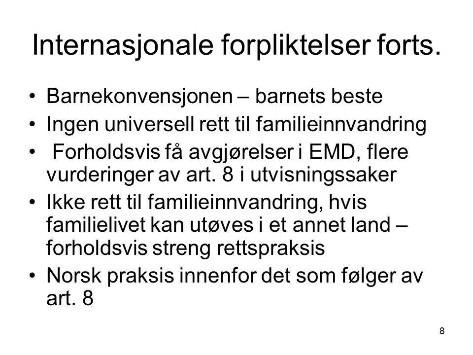 9 EU-direktivet 2003/86 EC av 22.09.2003 om familiegjenforening Setter minimumsstandarder Gjenspeiler statenes suverenitet på området – familieinnvandring anses som sentralt virkemiddel i innvandringspolitikken Ikke forpliktende for Norge, men viktig ved utvikling av norsk regelverk I store trekk sammenfallende med norsk regelverk