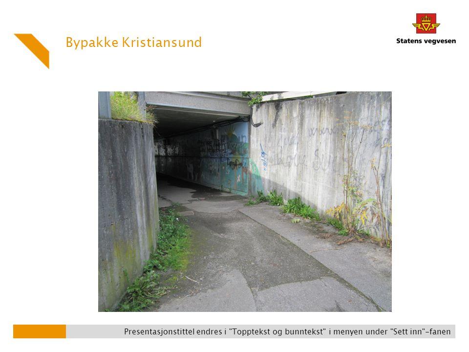 Bypakke Kristiansund Presentasjonstittel endres i Topptekst og bunntekst i menyen under Sett inn -fanen