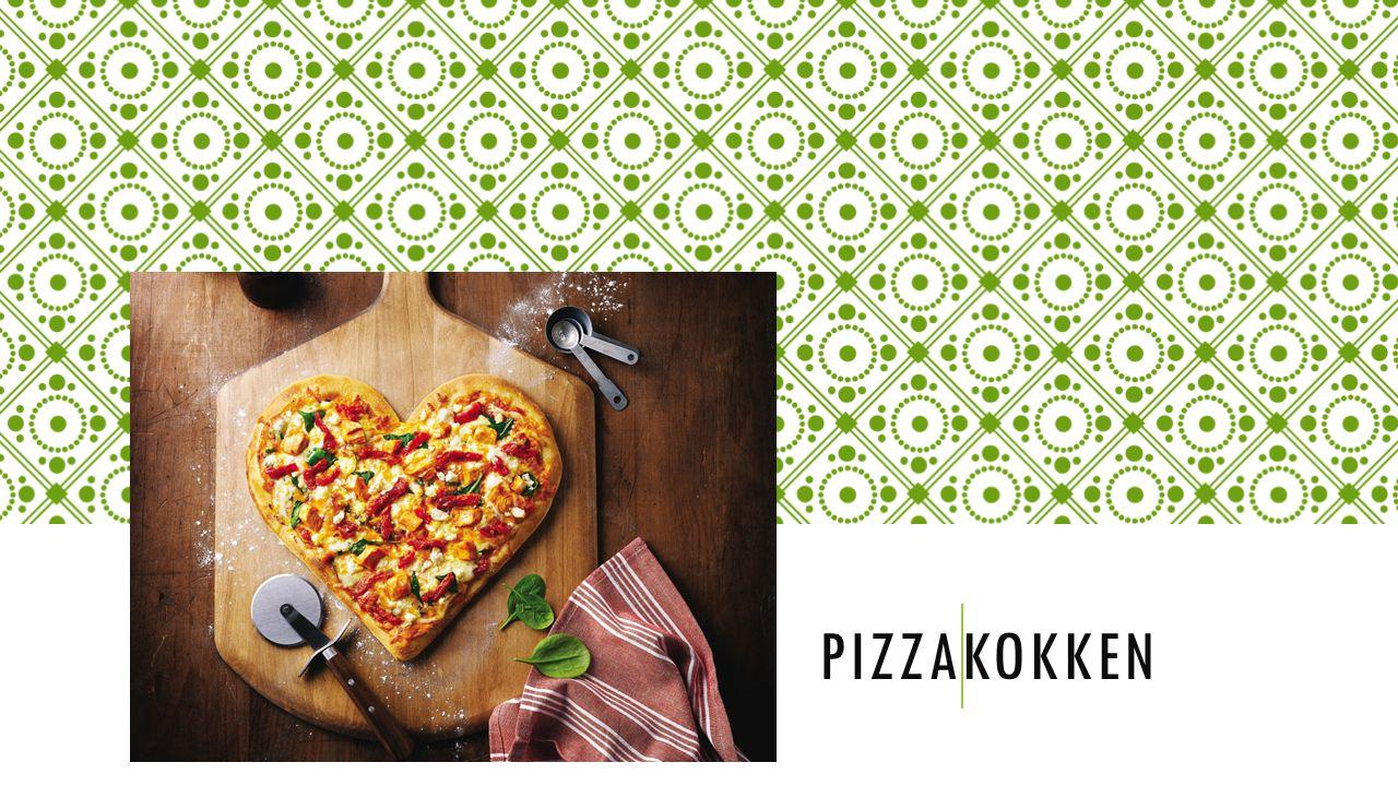HANDLELISTE: Til middagen: Filmleie: 50kr 2x 2 tomater-8kr 1 løk-3kr 1 glass pizzasaus-20kr 400g kjøtteig-40kr 1 pakke pepperoni-30kr 1 boks med mais-3kr 1 ost-50kr Til sammen: 461kr Til filmen: 1 pakke micropopcorn-12kr 1 pose potetgull-30kr 1 sjokoladeplate-35kr Drikke til hele kvelden: 2 cola 1,5 l -60kr 1 fanta 1,5l -30kr 2 julebrus 1,5l -60kr
