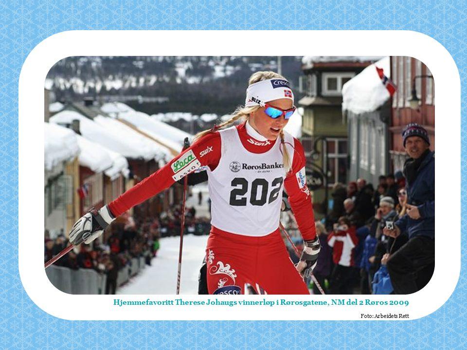 Hjemmefavoritt Therese Johaugs vinnerløp i Rørosgatene, NM del 2 Røros 2009 Foto: Arbeidets Rett