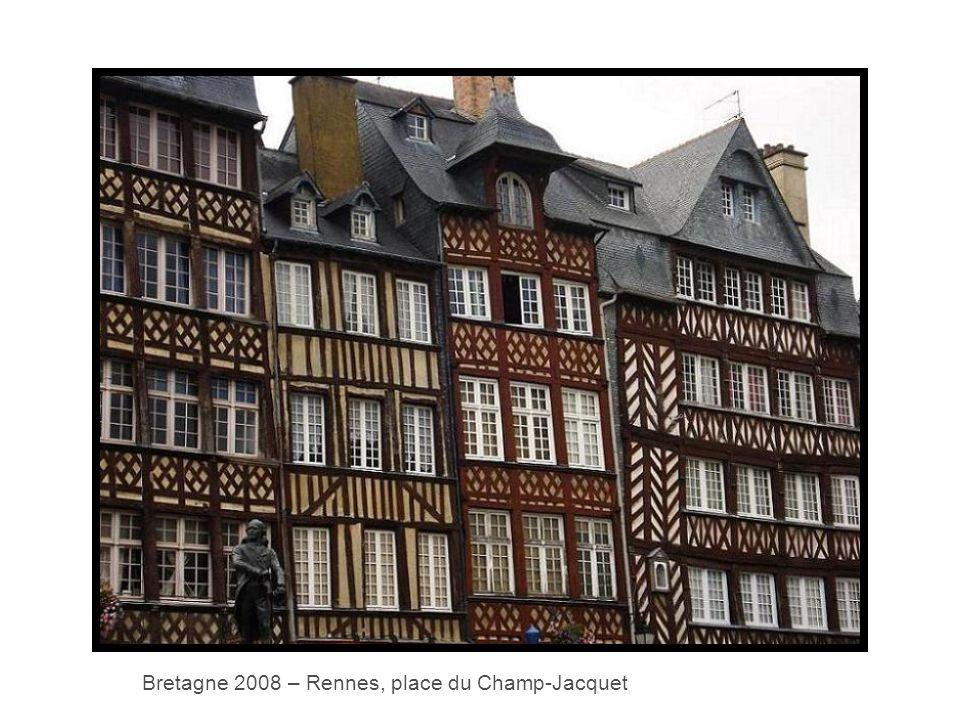 Bretagne 2008 – Rennes, place du Champ-Jacquet