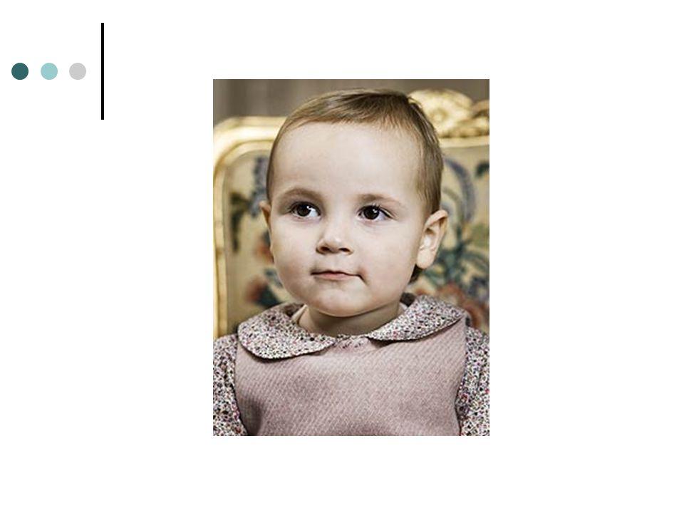 Grunnloven § 6: (1)Arvefølgen er lineal, saaledes at kun i lovligt Ægteskab født Barn af Dronning eller Konge, eller af en som selv er arveberettiget, kan arve, og at den nærmere Linje gaar foran den fjernere og den ældre i Linjen foran den yngre.