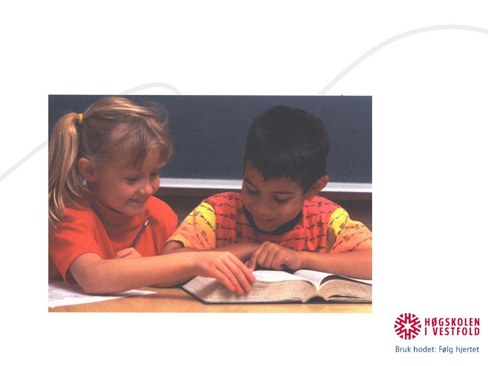 Metodeforslag for andrespråkslesing Å ta utgangspunkt i at norsk er andrespråket og ikke morsmålet Å stimulere til lesing på morsmålet Å fokusere på muntlig trening, ordlæring og helhetlig tekstforståelse At lesestoff og lesesituasjoner er lett tilgjengelige (Bjørkavåg 1990) Foreldredeltagelse (eks: samtale om ord) Bevissthet i valg av tekster (se neste punkt)