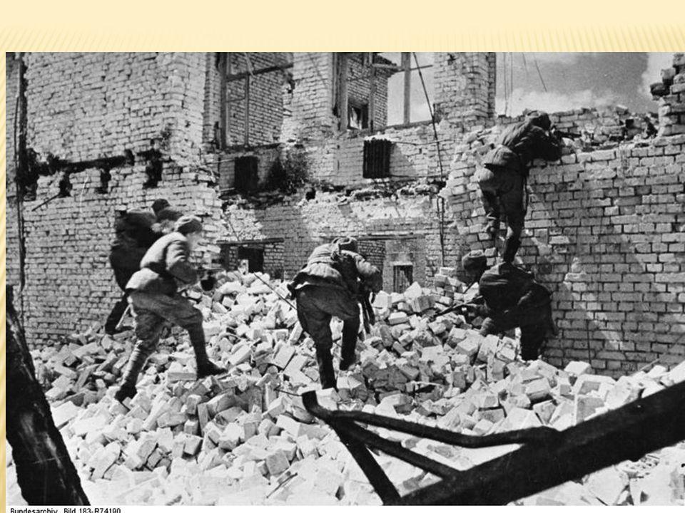  Noen mener at dette er vendepunktet sammen med Midway  7.August- 9. Februar 1943