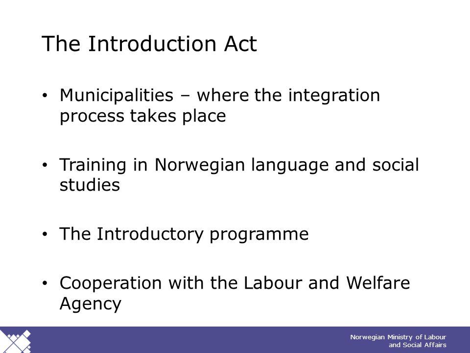 """Norwegian Ministry of Labour and Social Affairs Tips bunntekst: For å redigere sidenummer, dato og tittel på presentasjonen: Klikk på """"Sett Inn"""" -> To"""