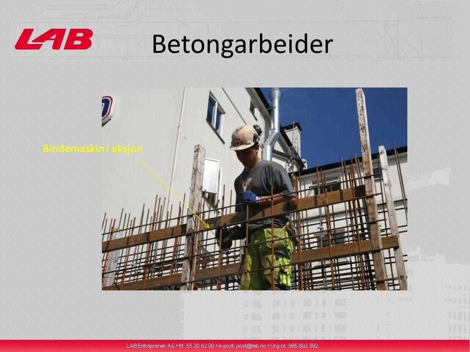 Betongarbeider Bindemaskin i aksjon