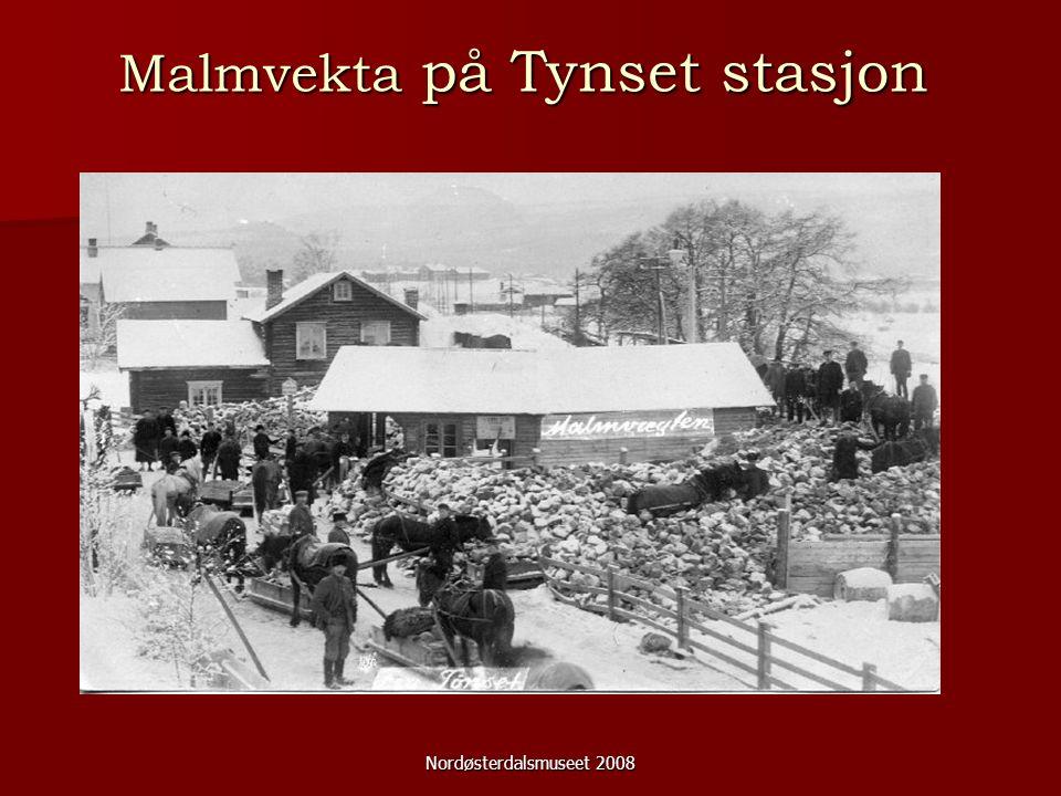 Nordøsterdalsmuseet 2008 Skole Mer og mer familier flyttet til Røstvangen.