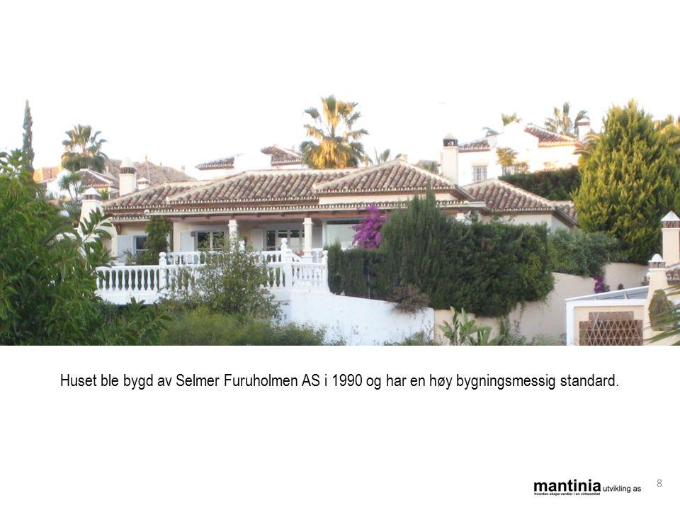 Huset ble bygd av Selmer Furuholmen AS i 1990 og har en høy bygningsmessig standard. 8