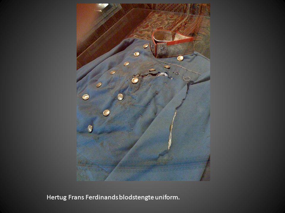 Hertug Frans Ferdinands blodstengte uniform.