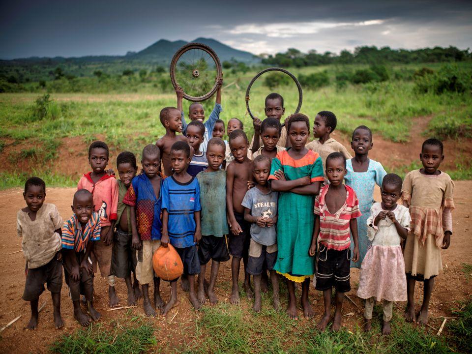 Hjelp skal ikke være gaver, men hjelp til selvhjelp mellom likeverdige, der alle bidrar etter evne ut fra en følelse av menneskelig fellesskap på tvers av rase, etniske og nasjonale grenser Eglantyne Jebb (fra bok utgitt i 1906) Internasjonale Redd Barna jobber i 120 land!