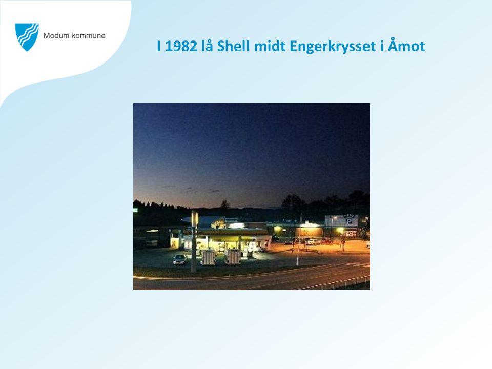 I 1982 lå Shell midt Engerkrysset i Åmot