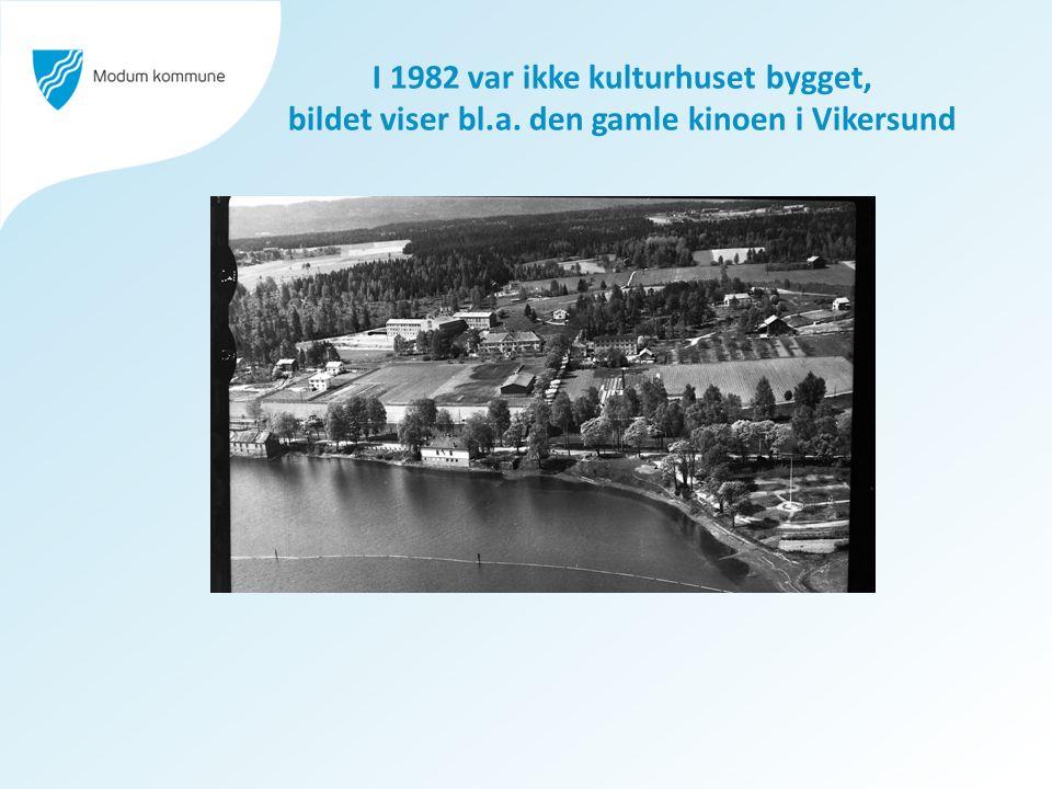 I 1982 var ikke kulturhuset bygget, bildet viser bl.a. den gamle kinoen i Vikersund