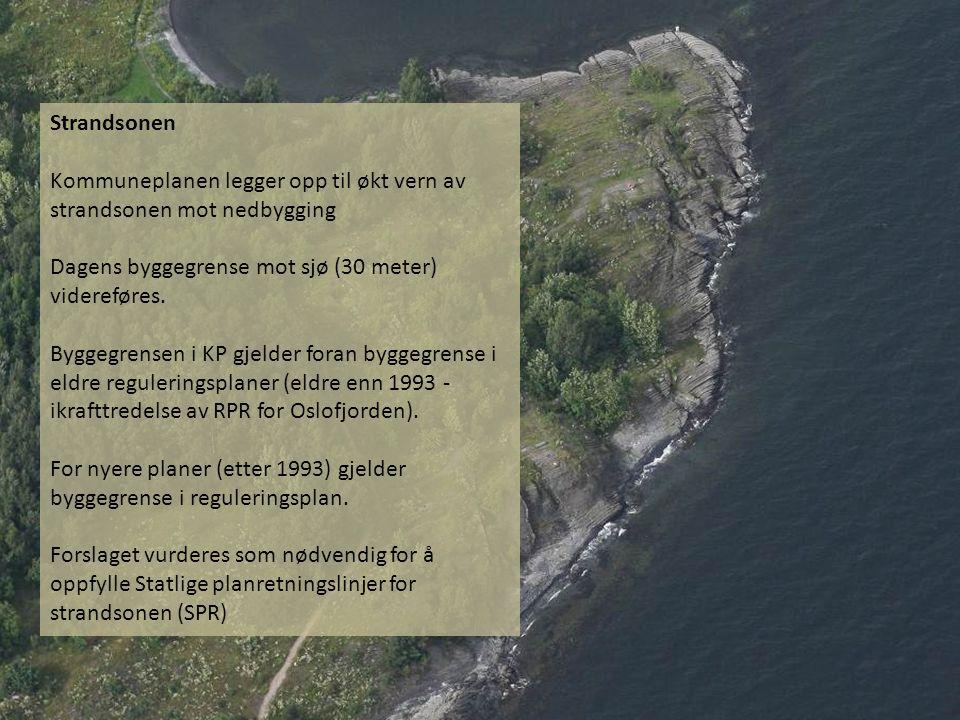 Strandsonen Kommuneplanen legger opp til økt vern av strandsonen mot nedbygging Dagens byggegrense mot sjø (30 meter) videreføres. Byggegrensen i KP g
