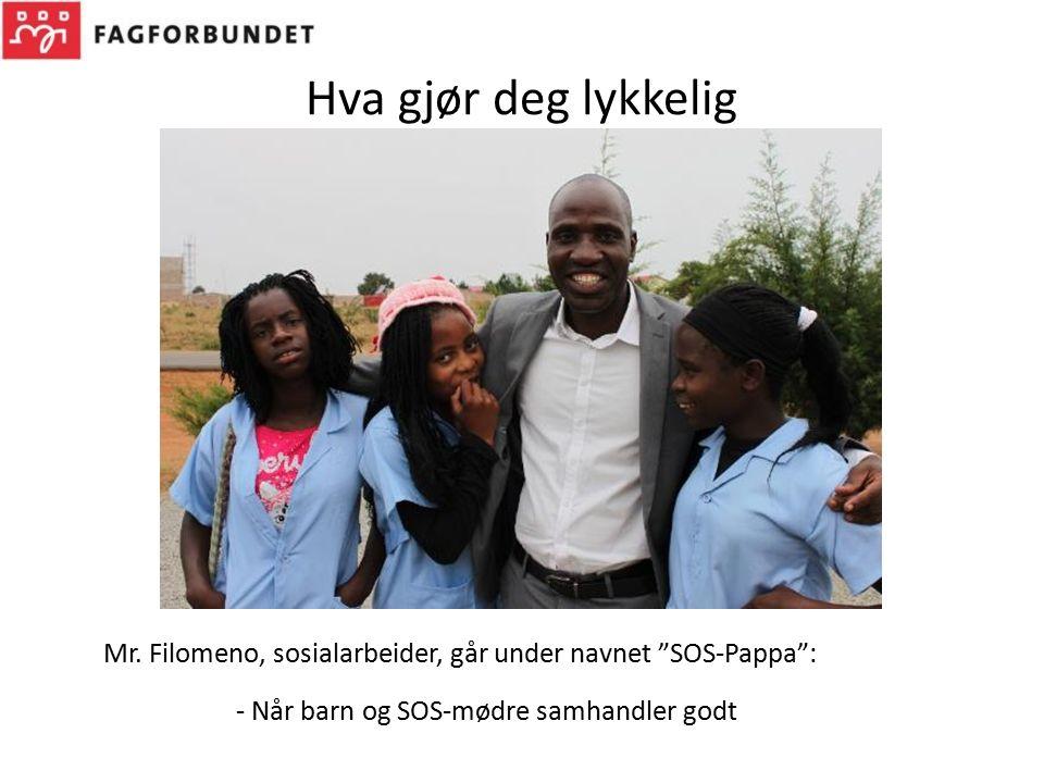"""Hva gjør deg lykkelig Mr. Filomeno, sosialarbeider, går under navnet """"SOS-Pappa"""": - Når barn og SOS-mødre samhandler godt"""