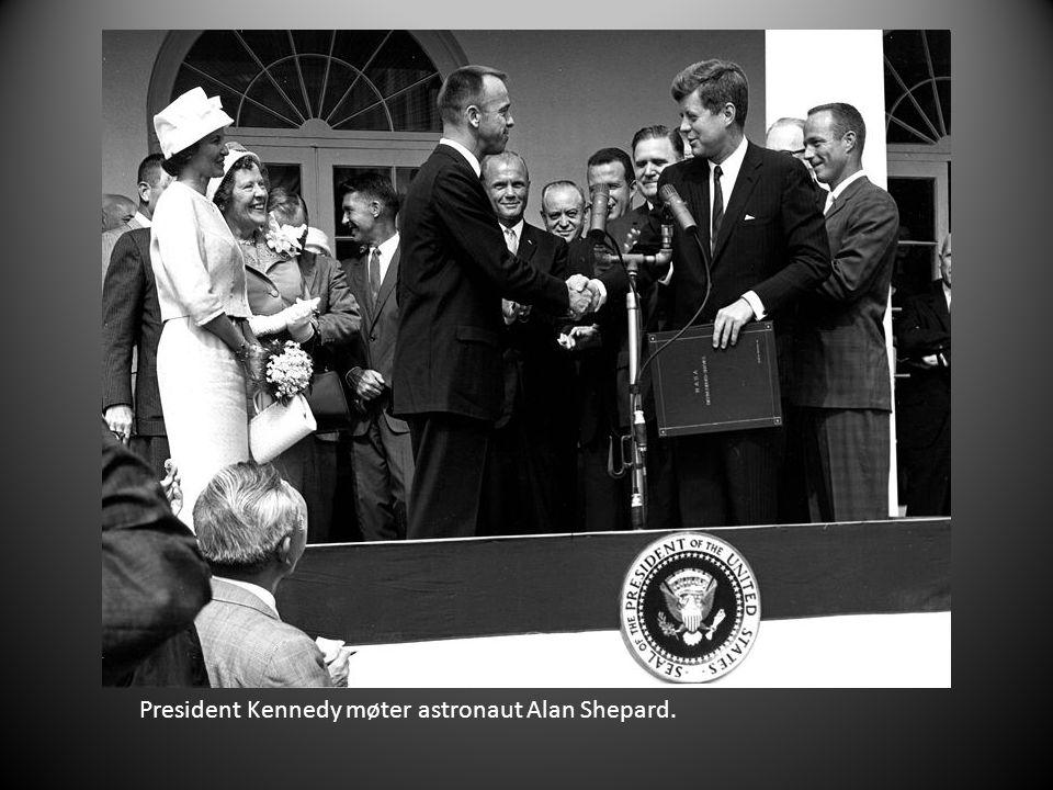 President Kennedy møter astronaut Alan Shepard.