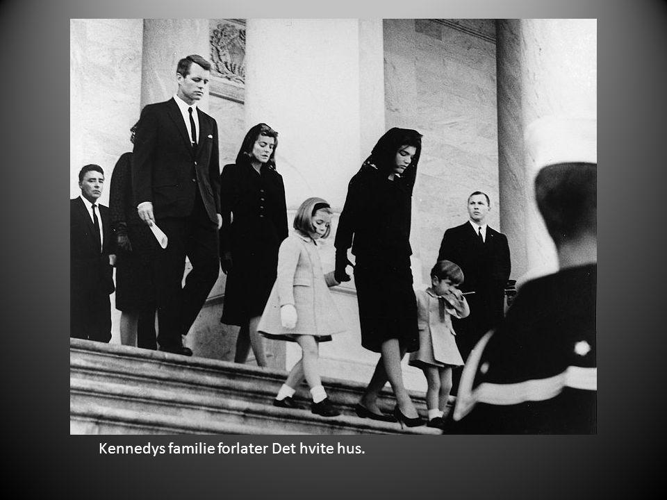 Kennedys familie forlater Det hvite hus.