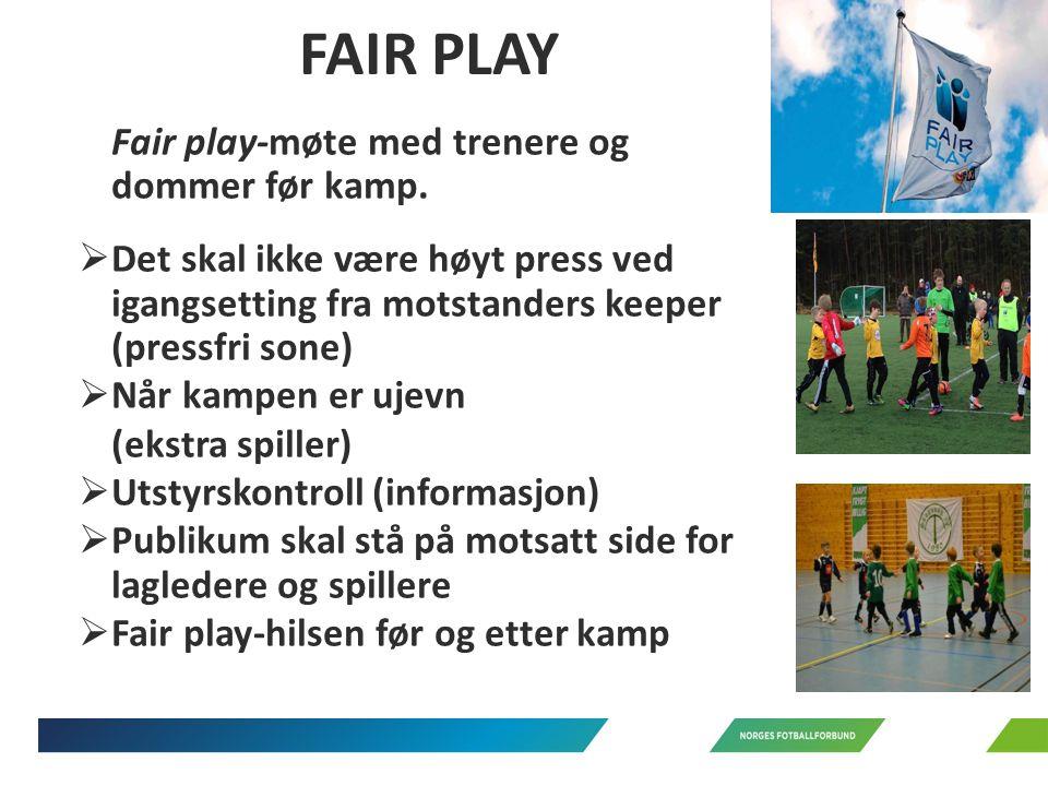 Fair play-møte med trenere og dommer før kamp.