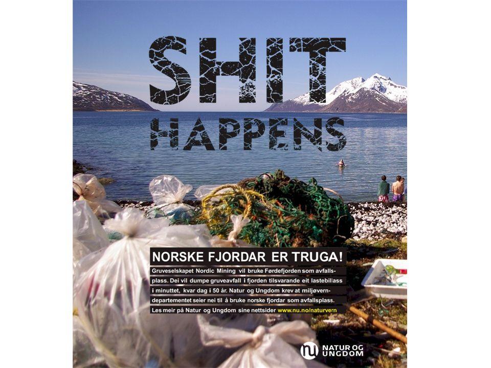 Bakgrunnsfotografiet er erstattet med et bilde som viser en vakker norsk fjord, men denne gangen med forurensing i forgrunnen og badende barn i bakgrunnen.