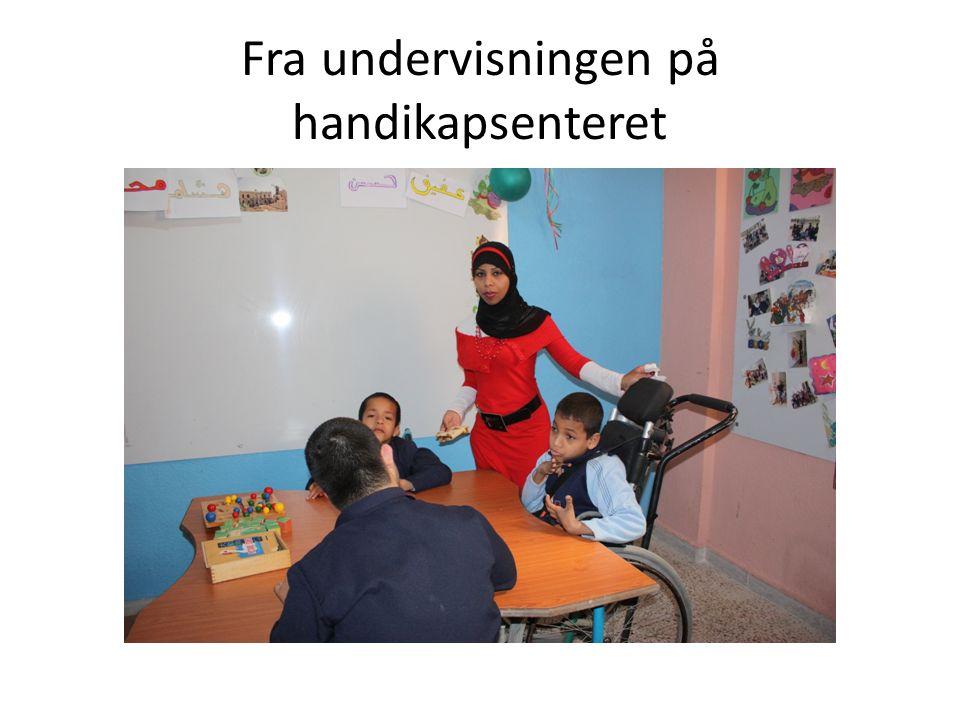 Fra undervisningen på handikapsenteret
