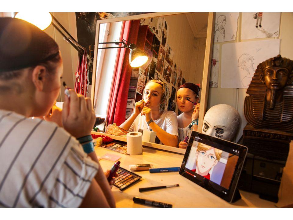 Ungdoms kroppslige uttrykksformer Mainstream og «vanlig» Spektakulært og annerledes Subkulturelt betinget stilskaping Gjennom iscenesettelse av seg selv sammen med andre (muskler, kroppsmasse, fargebruk, gruppebasert eller individualistisk i sin form, variasjon i make-up-koder, foretrukne gester bygget på musikkpreferanser eller på forbilder innenfor humor og film).