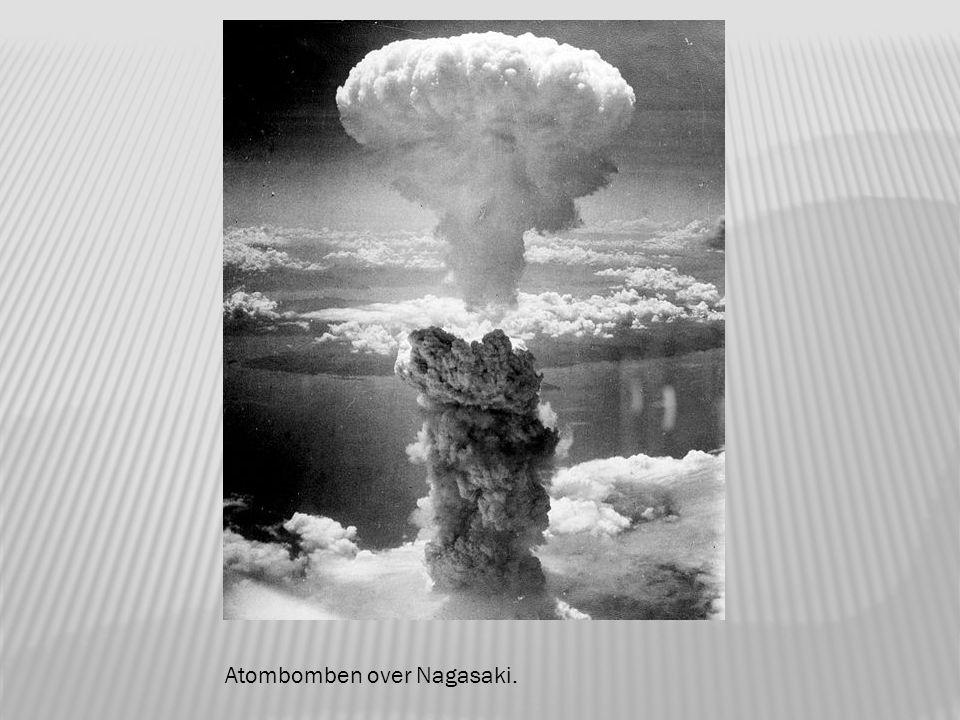 Mannskapet på Bockscar like før bombingen av Nagasaki.