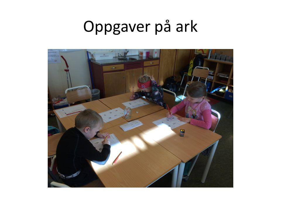 Oppgaver på ark