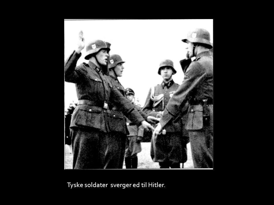 Tyske soldater sverger ed til Hitler.