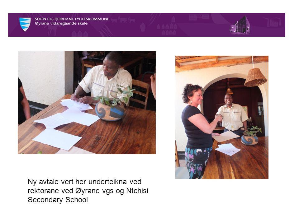 Ny avtale vert her underteikna ved rektorane ved Øyrane vgs og Ntchisi Secondary School