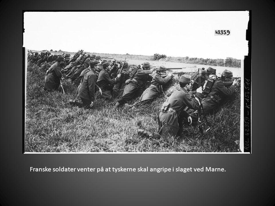 Franske soldater venter på at tyskerne skal angripe i slaget ved Marne.
