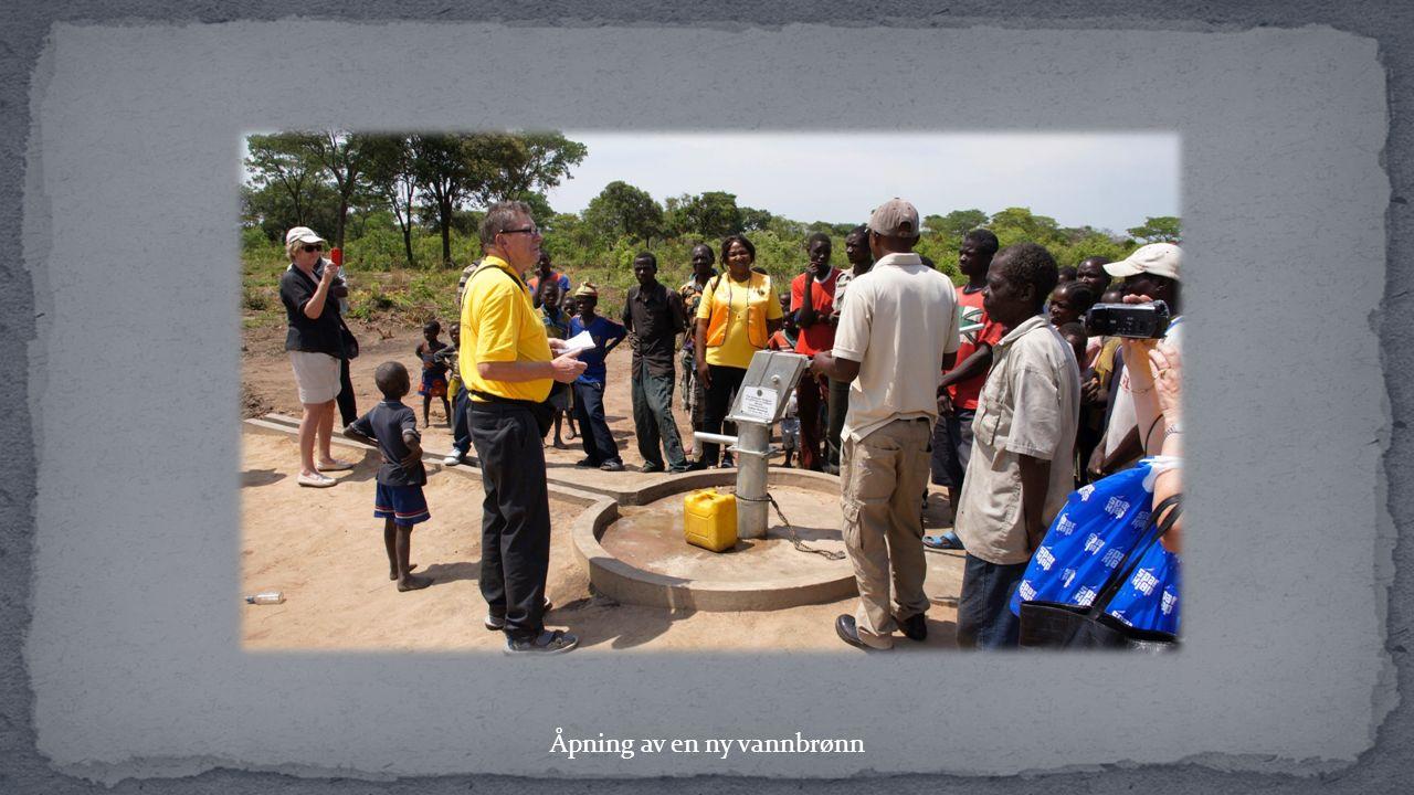 Åpning av en ny vannbrønn