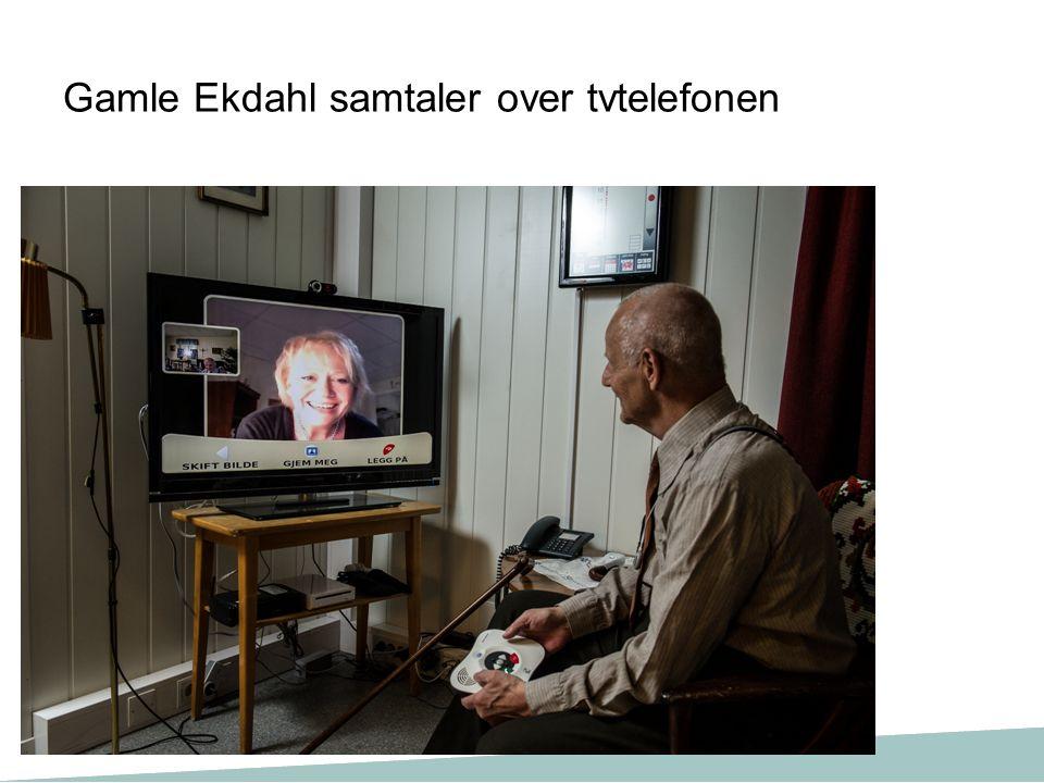 Gamle Ekdahl samtaler over tvtelefonen