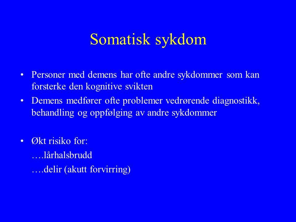 Terapi rettet mot pasienten Informasjon om demenssykdommen Identifisering og optimal behandling av annen somatisk sykdom Medikamentseponering Praktiske hjelpemidler Hukommelsestrening Psykoterapeutisk intervensjon Atferdsbehandling ved depresjon Støttegrupper