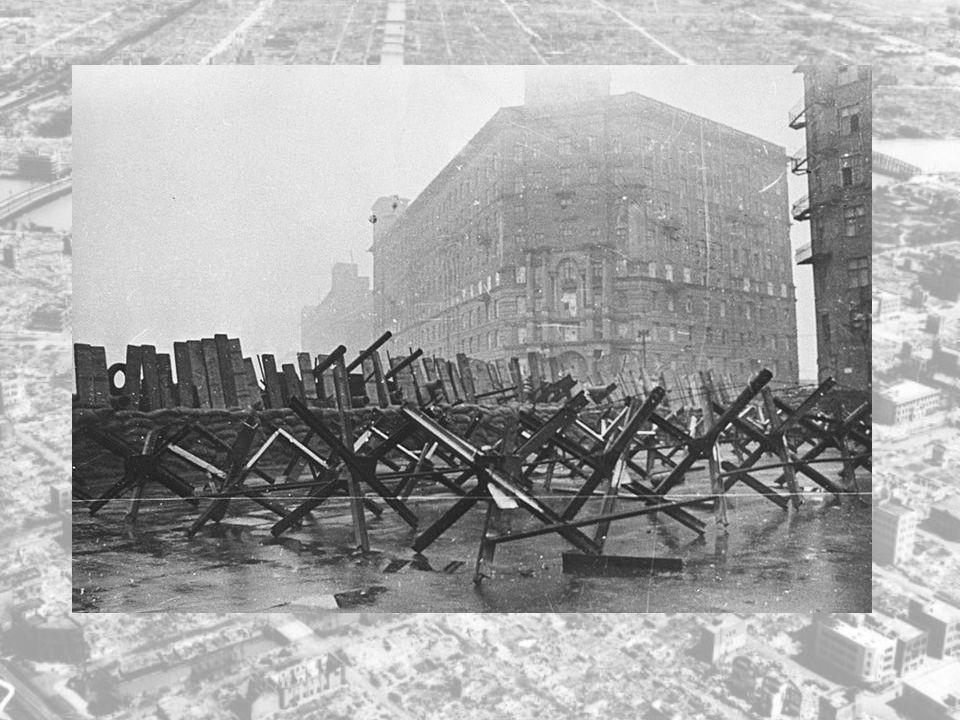 Offensiven mot Moskva kom i gang igjen i oktober, men russerne hadde vunnet tid til å bygge ut et sterkt dybdeforsvar, og vinteren satte inn.