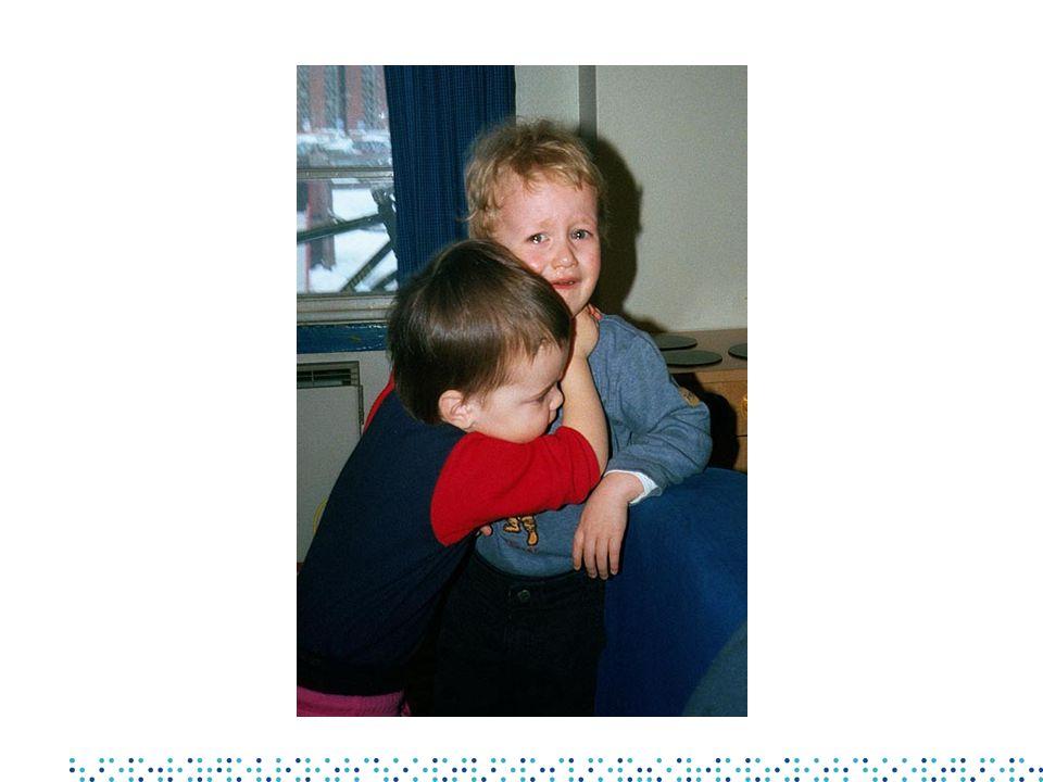 Sykdomsforekomst og smitteveier •Meldt til MSIS i 2001 - barn < 7 år: •Totalt antall: 1186 •Herav fekal-oral smittevei: 689 (58 %) •Dråpe-/kontaktsmitte: 450 (38 %) •Blodsmitte/vektor: 21 ( 2 %) •Diverse: 46 ( 4 %)