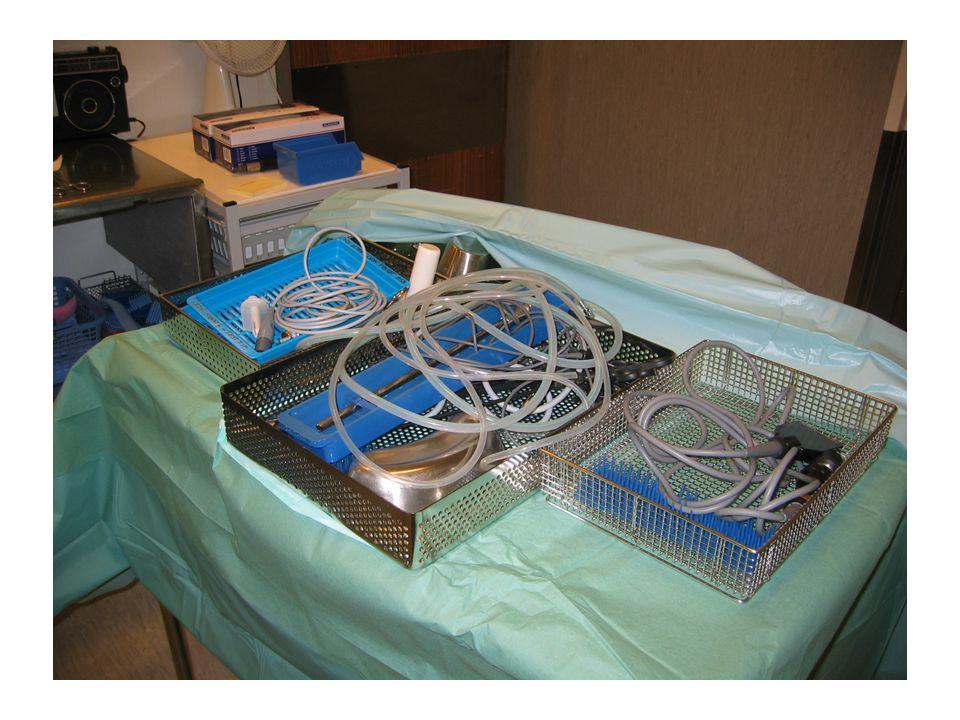 Sterilisering i helsetjenesten •I helsetjenesten blir flergangsutstyr som har vært brukt på pasienter og som dermed er kontaminert med infeksjonsoverf