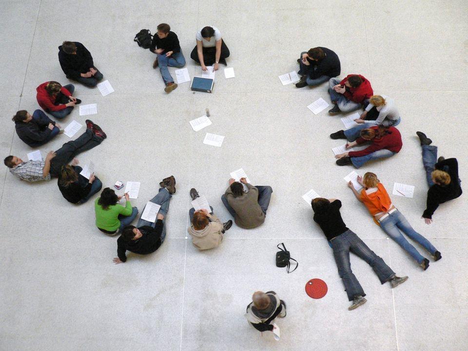 22 •Folkehøgskolen et sted som tar ansvar for å møte den enkelte - bidrar til sosialt engasjement gjennom å bygge og vedlikeholde tillit.