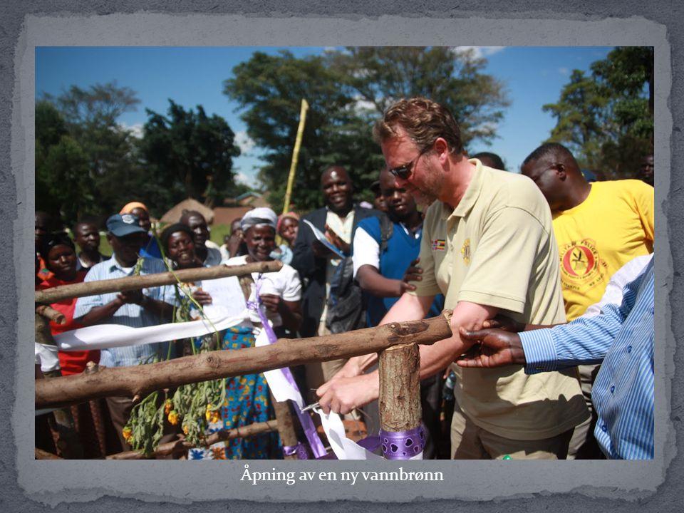 Ved å gi en brønn som ligger i nærheten av landsbyen, slipper barna å gå flere kilometer for dagen etter vann.