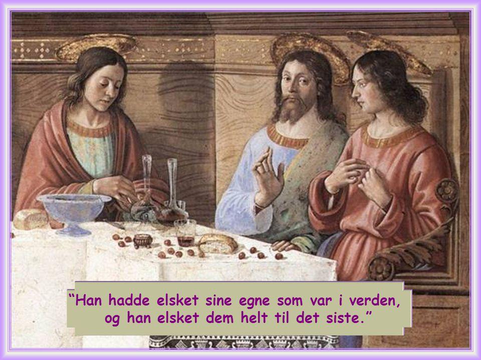 Jesus ofrer sitt liv på korset, hvor Han opplever å være forlatt av Faderen, helt til Han tilslutt kan si: Det er fullbrakt .
