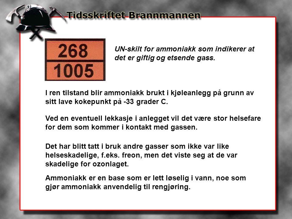 UN-skilt for ammoniakk som indikerer at det er giftig og etsende gass. I ren tilstand blir ammoniakk brukt i kjøleanlegg på grunn av sitt lave kokepun